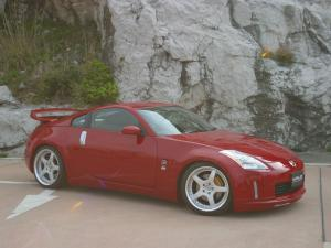 2004 Nissan 350Z by Wald
