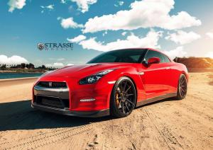 Nissan GT-R on Strasse Wheels 2014 года