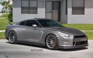 Nissan GT-R on Strasse Wheels (R10 Deep Concave) 2018 года