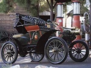 1904 Oldsmobile Model 6C Curved Dash Runabout