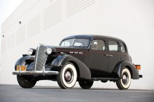 1936 Oldsmobile Six F-36 Touring Sedan