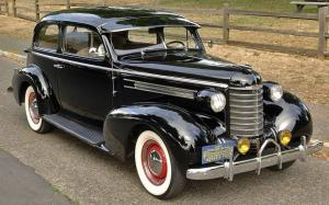 1937 Oldsmobile F7 2Dr Trunkback