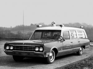Oldsmobile 98 Cotington Ambulance by Cotner-Bevington 1965 года