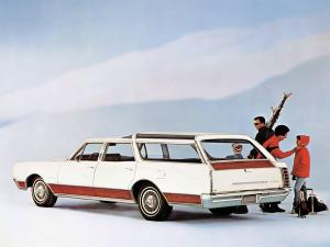 Oldsmobile Vista Cruiser Custom 1967 года