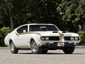 1969 Oldsmobile 442 Holiday Coupe by Hurst