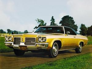 1971 Oldsmobile Delta 88 Royale Holiday Coupe