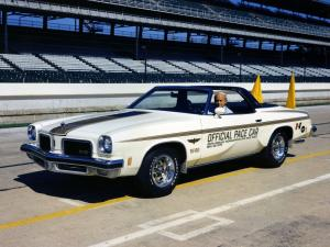 Oldsmobile Cutlass Indy 500 Pace Car 1974 года