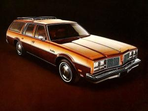 Oldsmobile Custom Cruiser 1979 года