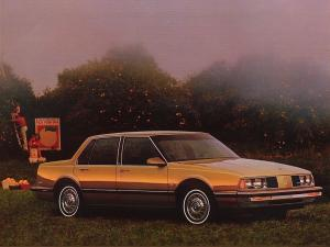Oldsmobile Delta 88 Royale Sedan 1986 года