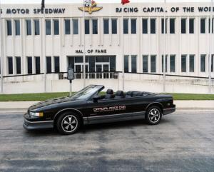 Oldsmobile Cutlass Supreme Convertible Indy 500 Pace Car 1988 года