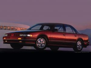 Oldsmobile Cutlass Supreme International Sedan 1990 года
