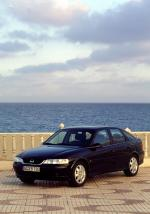 Opel Vectra Hatchback 1999 года