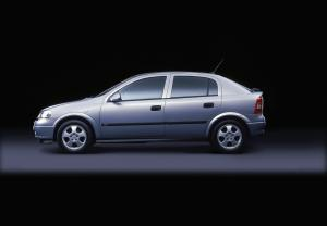 Opel Astra Edition 2000 5-Door