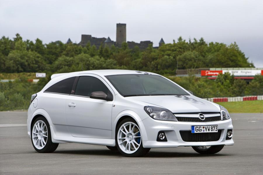 Opel Astra OPC Nurburgring Edition
