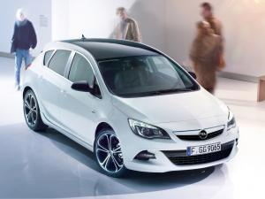 Opel Astra Color Edition 2012 года