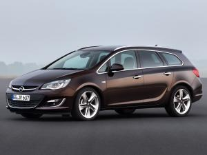 Opel Astra Sports Tourer 2012 года