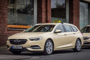 Opel Insignia Sports Tourer Taxi 2017 года