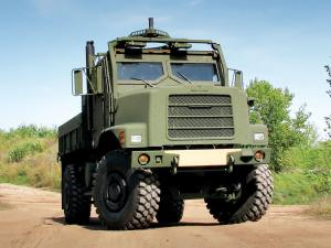 Oshkosh MTVR 4x4 Short Bed Cargo 2005 года