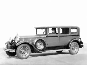 1931 Packard Deluxe Eight Sedan-Limousine