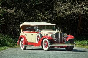 1933 Packard Super Eight Model 1004 5-7-Passenger Touring