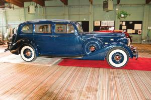 Packard Twelve 7-Passenger Touring Sedan 1937 года