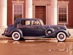 Packard Twelve Club Sedan 1937 года