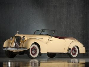 Packard 120 convertible Victoria by Darrin 1939 года