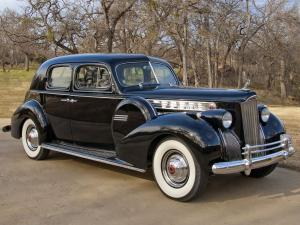 1940 Packard 180 Super Eight Custom Club Sedan