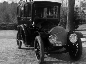 1912 Pierce-Arrow Vestibuled Sedan