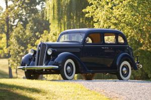 Plymouth Deluxe 4-Door Touring Sedan 1936 года