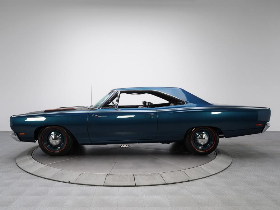 Plymouth Road Runner 426 Hemi Hardtop Coupe