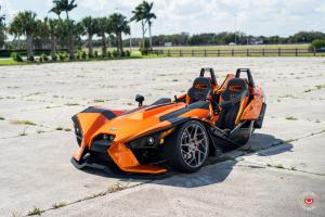 Polaris Slingshot on Vossen Wheels (CG-209T) 2017 года
