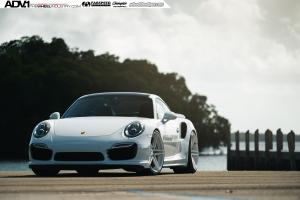2015 Porsche 911 Turbo S on ADV.1 Wheels (ADV05MV2CS)