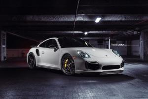 2015 Porsche 911 Turbo S on ADV.1 Wheels (ADV05SMV2SL)