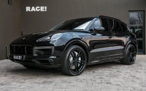 Porsche Cayenne Turbo by RACE!