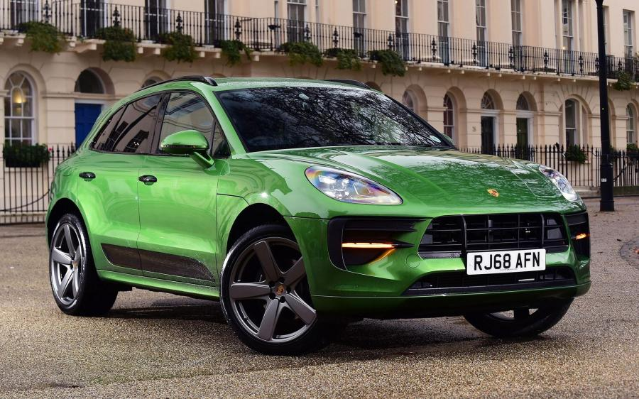2019 Porsche Macan SportDesign Package (UK)