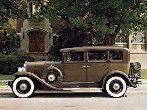 1930 REO Flying Cloud Sport Sedan