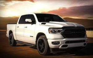 2019 Ram 1500 Big Horn Night Edition Crew Cab