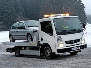 2008 Renault Maxity Tow Truck