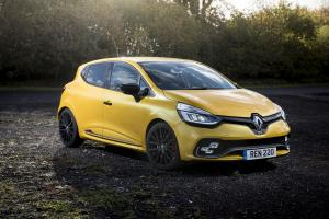 Renault Clio R.S. 220 Trophy 2016 года