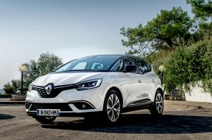 2016 Renault Scenic Hybrid Assist