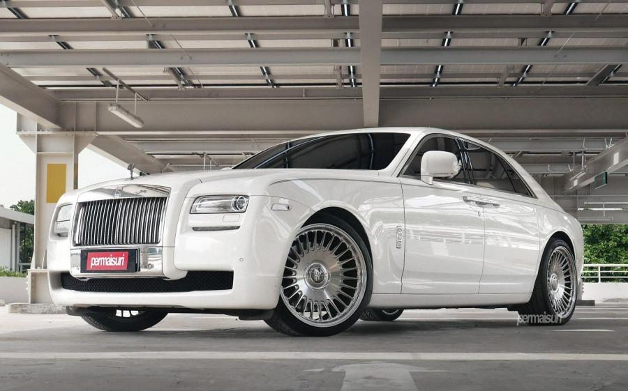 Rolls-Royce Ghost by Permaisuri on Vossen Wheels (ML-R1)
