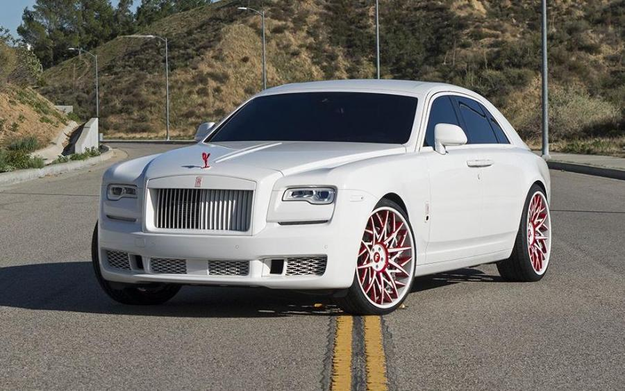Rolls-Royce Ghost on Forgiato Wheels (Blocco-ECL)