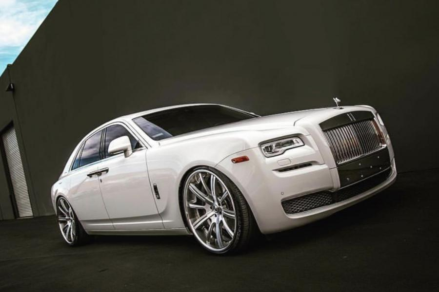 Rolls-Royce Ghost on Forgiato Wheels (S220-ECL)