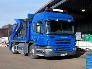 2004 Scania P310 4x2 Low-Entry Cab