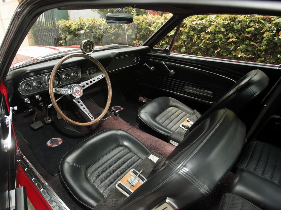 интерьер Shelby GT 350