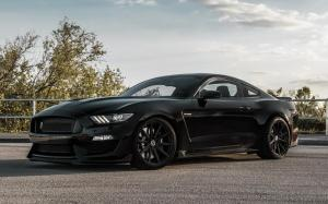 Shelby GT350 on Vossen Wheels (VFS-10)