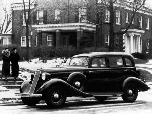 Studebaker Commander Custom Sedan 1935 года