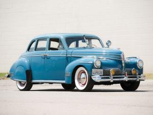 1941 Studebaker Commander Delux-Tone Cruising Sedan