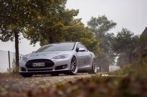 2015 Tesla Model S on ADV.1 Wheels (ADV10TSSL)